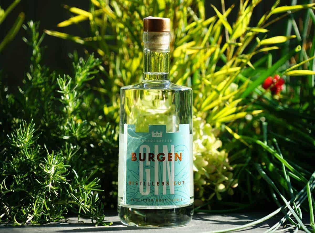 Eine Flasche des Burgen Distillers Cut Gins