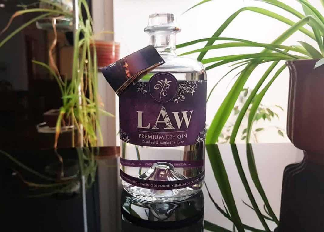 Eine Flasche des Law Gins