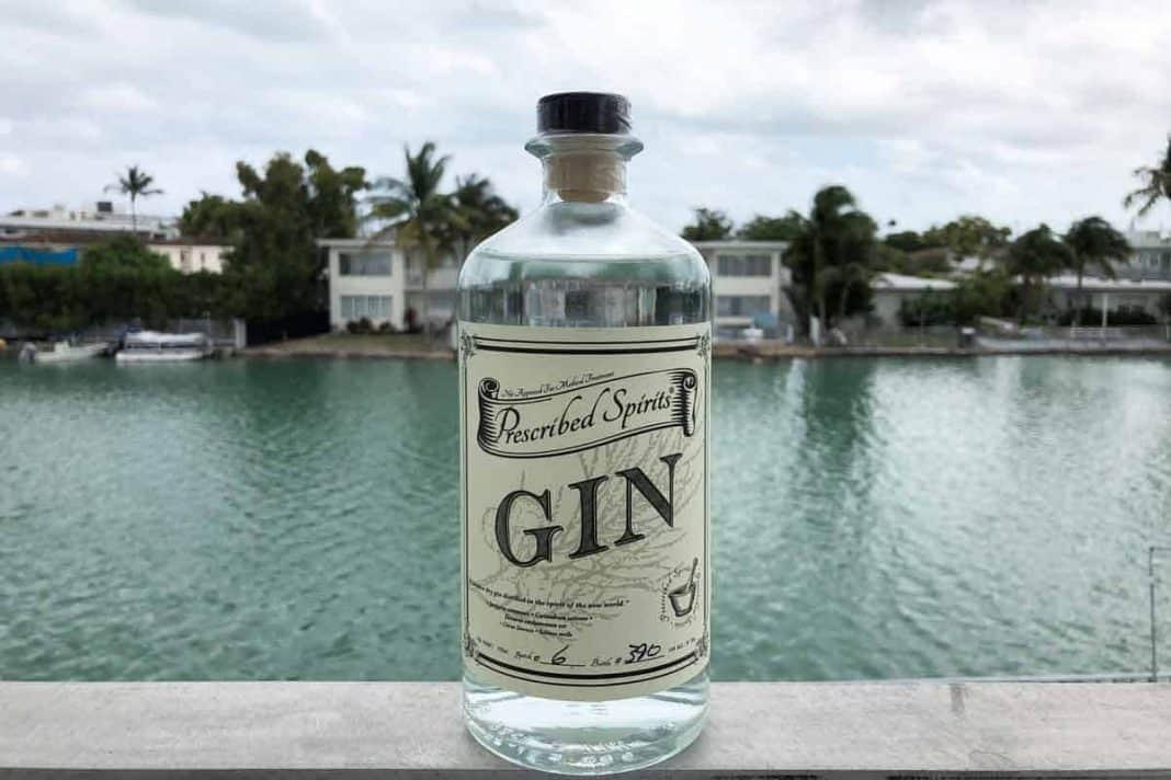 Eine Flasche des Prescribed Spirits Gins