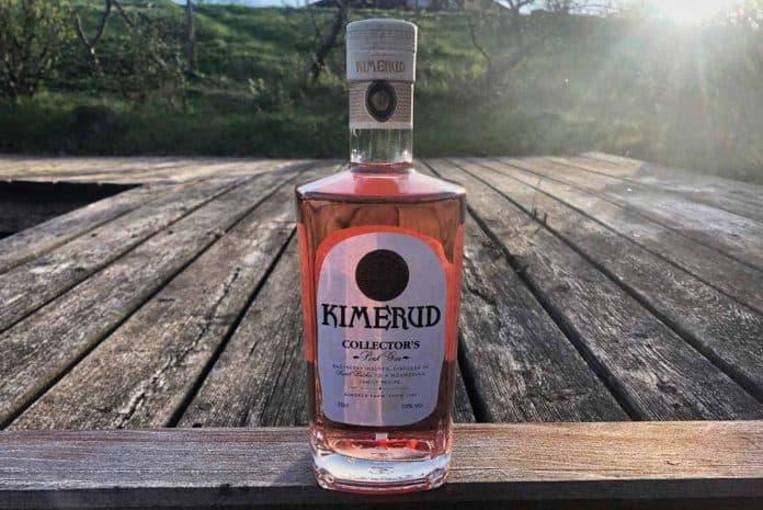 Eine Flasche des Kimerud Pink Gins