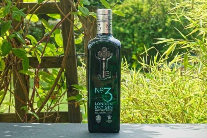 Eine Flasche des London No.3 Gins