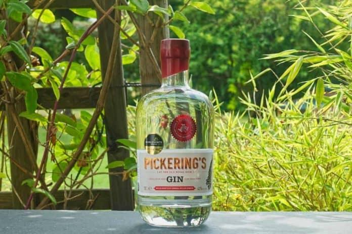 Eine Flasche des Pickering Gins